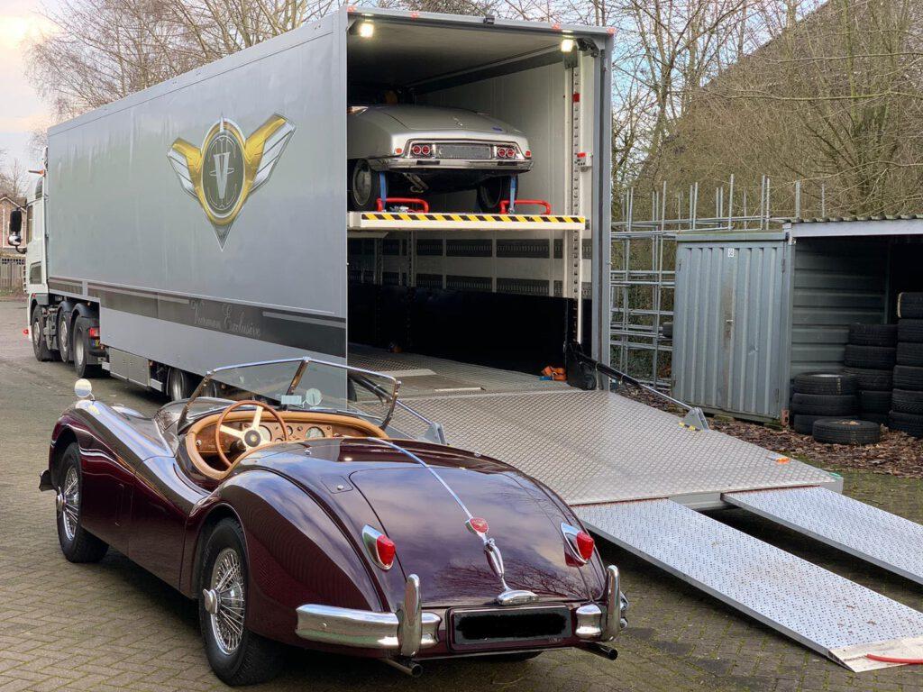 Vervoer van klassieke auto's naar InterClassics Maastricht | Veerman Exclusive